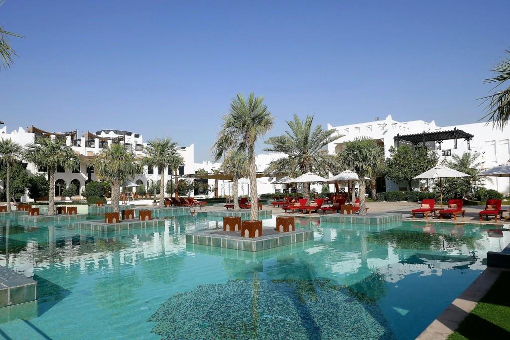 pool sharq village doha qatar (8)