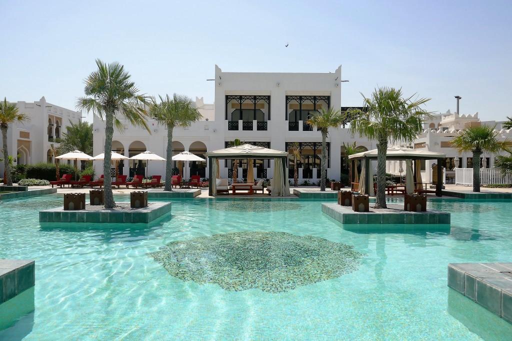 pool sharq village doha qatar (6)